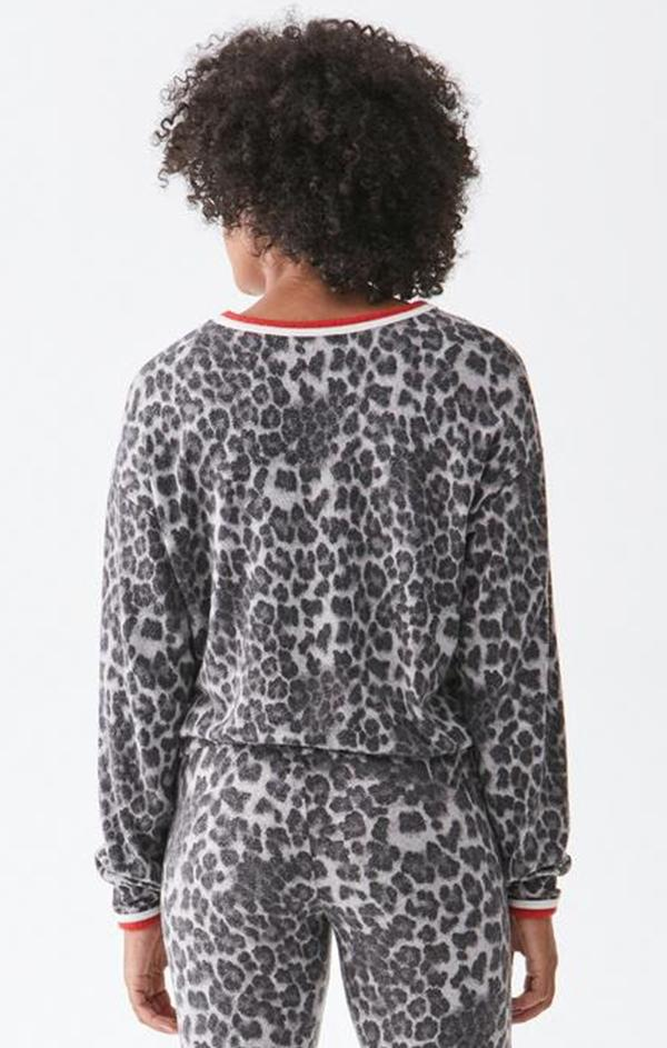 scoop neck leopard top