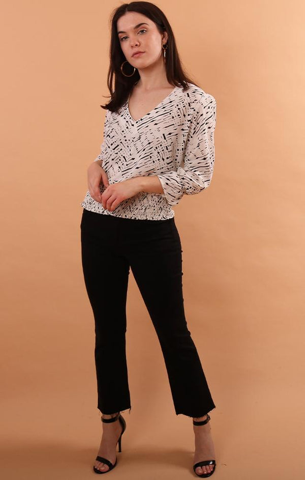tops-banded blouse in black and white