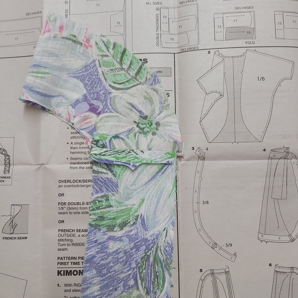 Kimono sewing pattern review Simplicity K1108 Freckles and Co