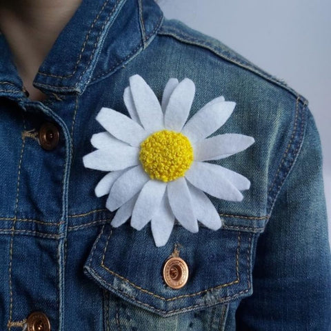 Freckles and Co Felt Flower Brooches sewing tutorial
