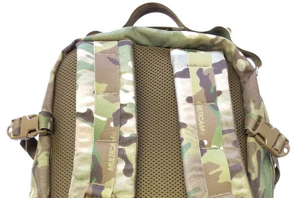 Padded, fixed shoulder straps for amazing comfort
