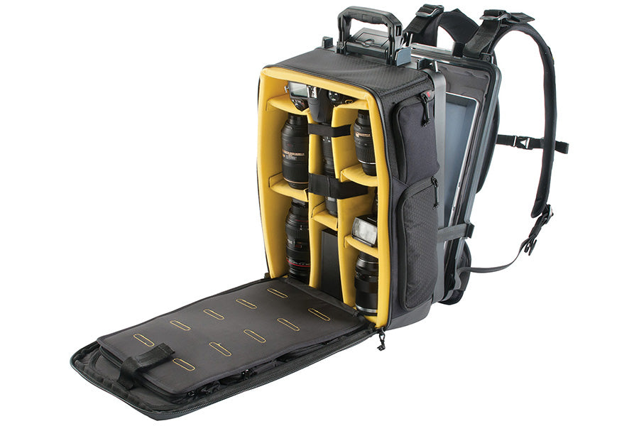 Large sized padded divider compartment - Holds multiple bodies, lenses, flash, etc.