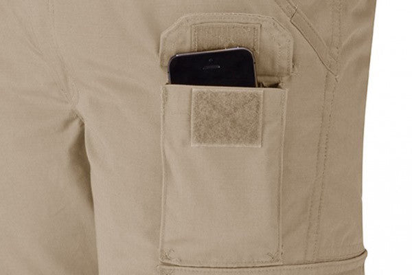 External utility pocket on left leg is perfect for cell phone or spare magazine.