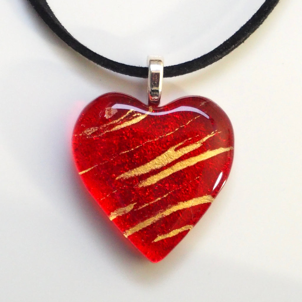 Red gold heart pendant