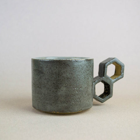 Bee mug - Iron Grey