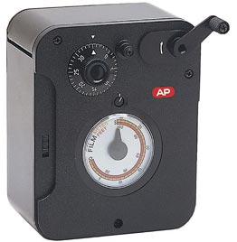 "AP - APP326000 - ""Bobinquick Junior"" 35mm bulk film loader + 20 plastic cartridges"