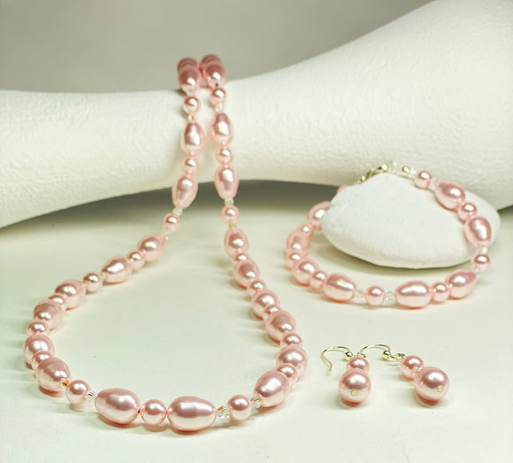Light Rose coloured Swarovski Pearls and Swarovski Crystal Necklace, Bracelet and Earring set.