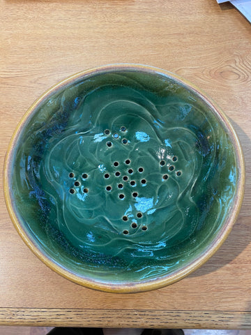 Ceramic - Berry Bowl