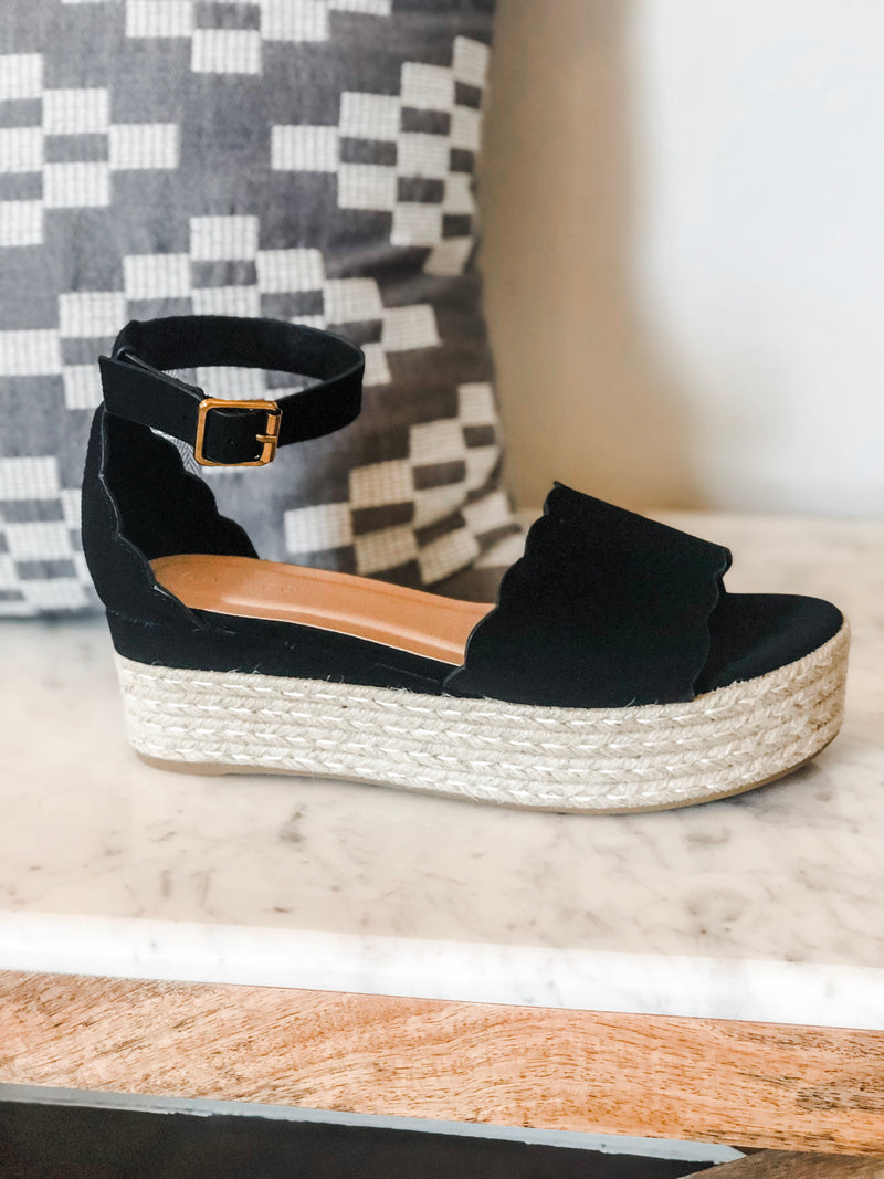 Scalloped Sally Wedge