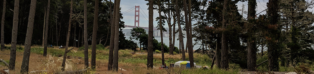 Photo of the Kirby Cove Campground, with views of the Golden Gate Bridge in the background.