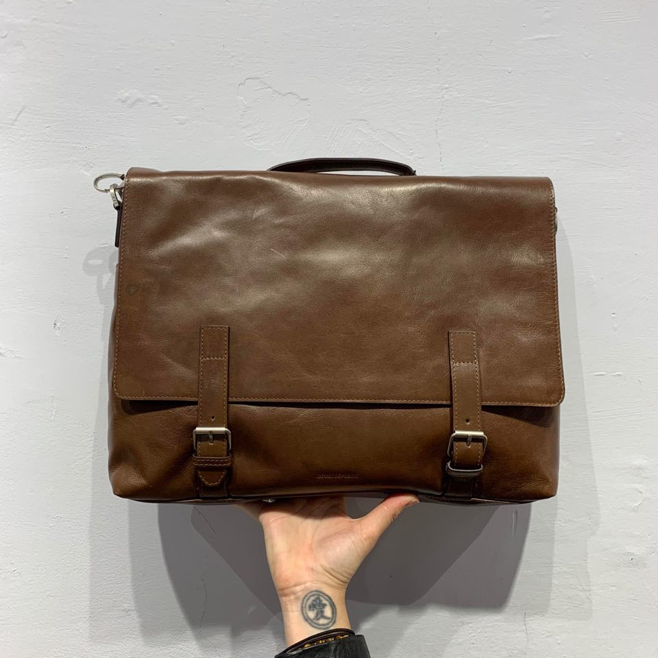 Royal Republiq Essential Messenger Bag Hazel