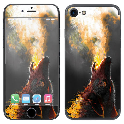 Wolf Howling At Moon Apple iPhone 7 or iPhone 8 Skin