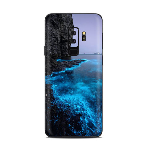 Paradise Sea Wall Cliffs Glowing Water Samsung Galaxy S9 Plus Skin