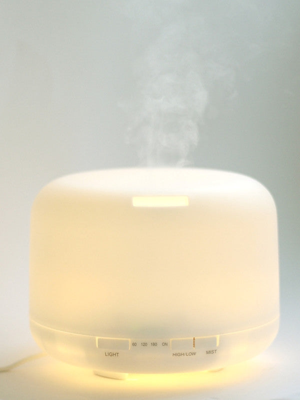 The ultrasonic vibrations help to break essential oils into tiny microparticles, dispersing the oil in a fine mist without any heat. As no heat is involved, the therapeutic qualities of the essential oils are better preserved. Once dispersed into the atmosphere, they are easily inhaled and absorbed, offering amazing health and healing benefits.