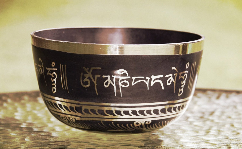 Deep Singbowl -  Black Tibetan Mantra - For Meditation