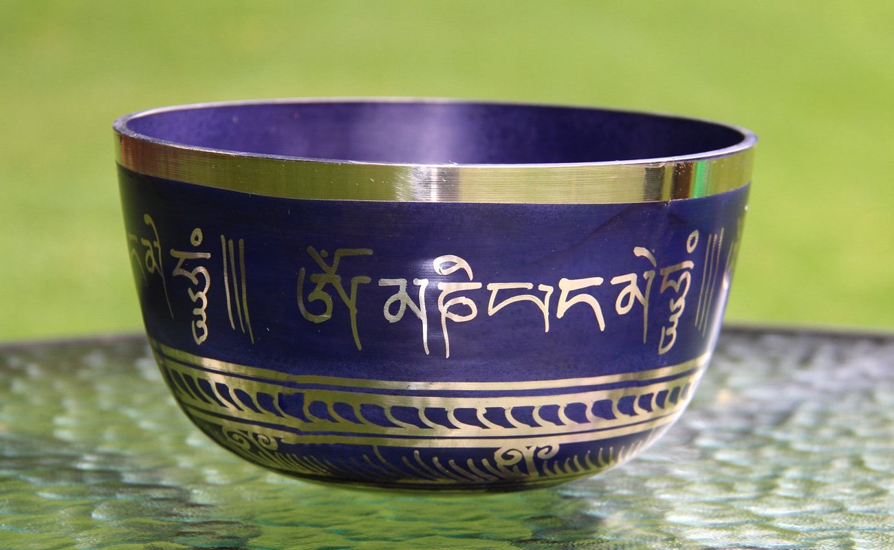 Deep: Indigo Tibetan Mantra - for Meditation