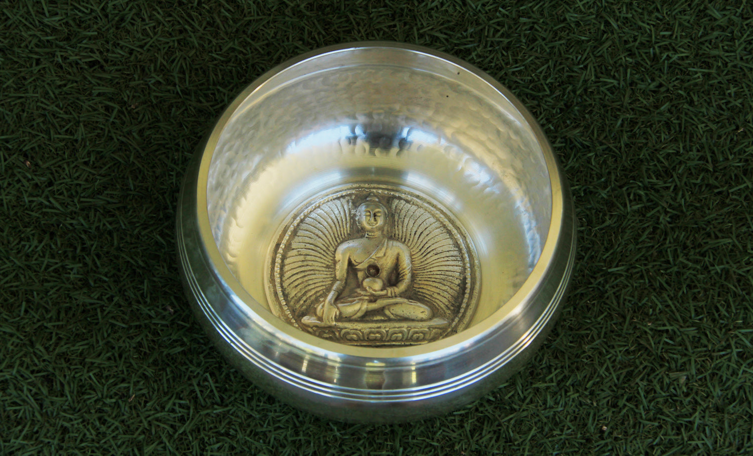 Gulpa- Symbol- Dotted- Silver 1000g - for Meditation - Singbowls