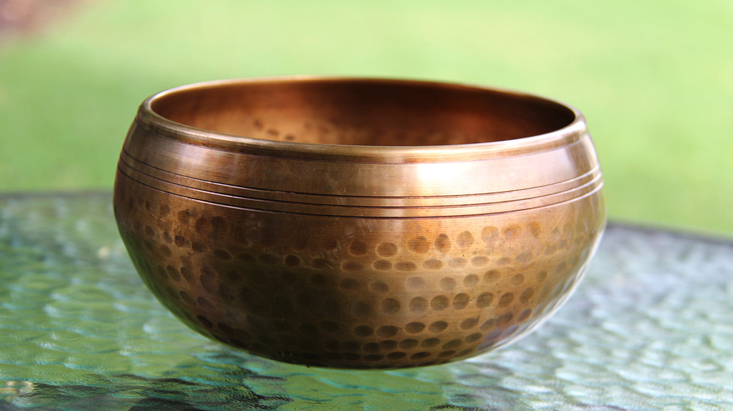 Gulpa Dotted Singbowls 1000g - for Meditation