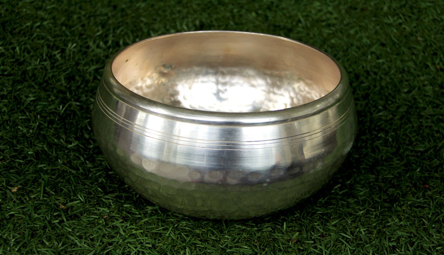 Gulpa-  Dotted- Silver- 1000g - for Meditation