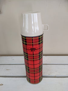 Thermos, red plaid