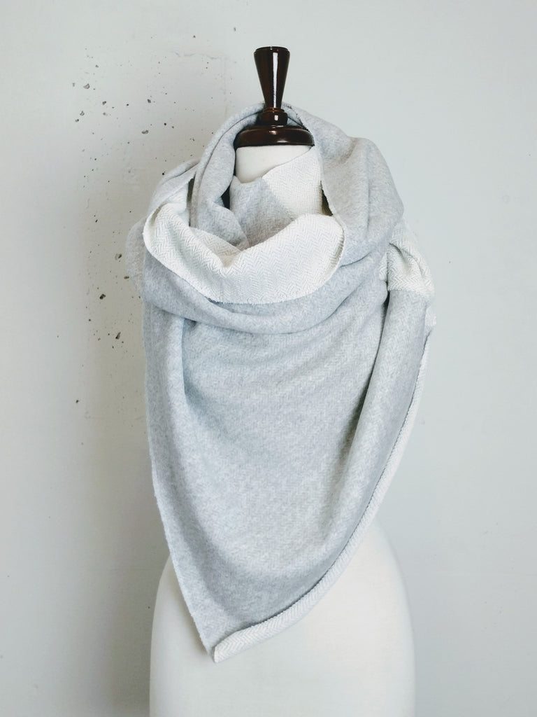 Twisted Blanket Circle Scarf - AW2018BS10