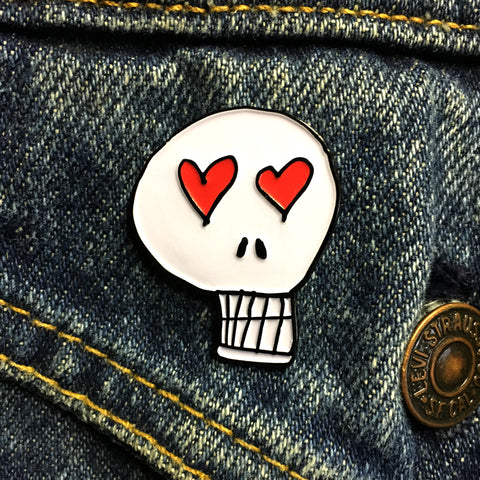 Heart Eyes Skull Enamel Pin