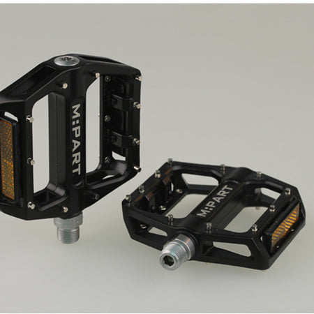 M-Part -  Flat pedals, sealed bearings replaceable pins 9 / 16