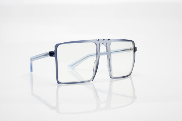 Model 10 // 55.22 - Laes: 1351 - Blue-Clear-Blue Fade