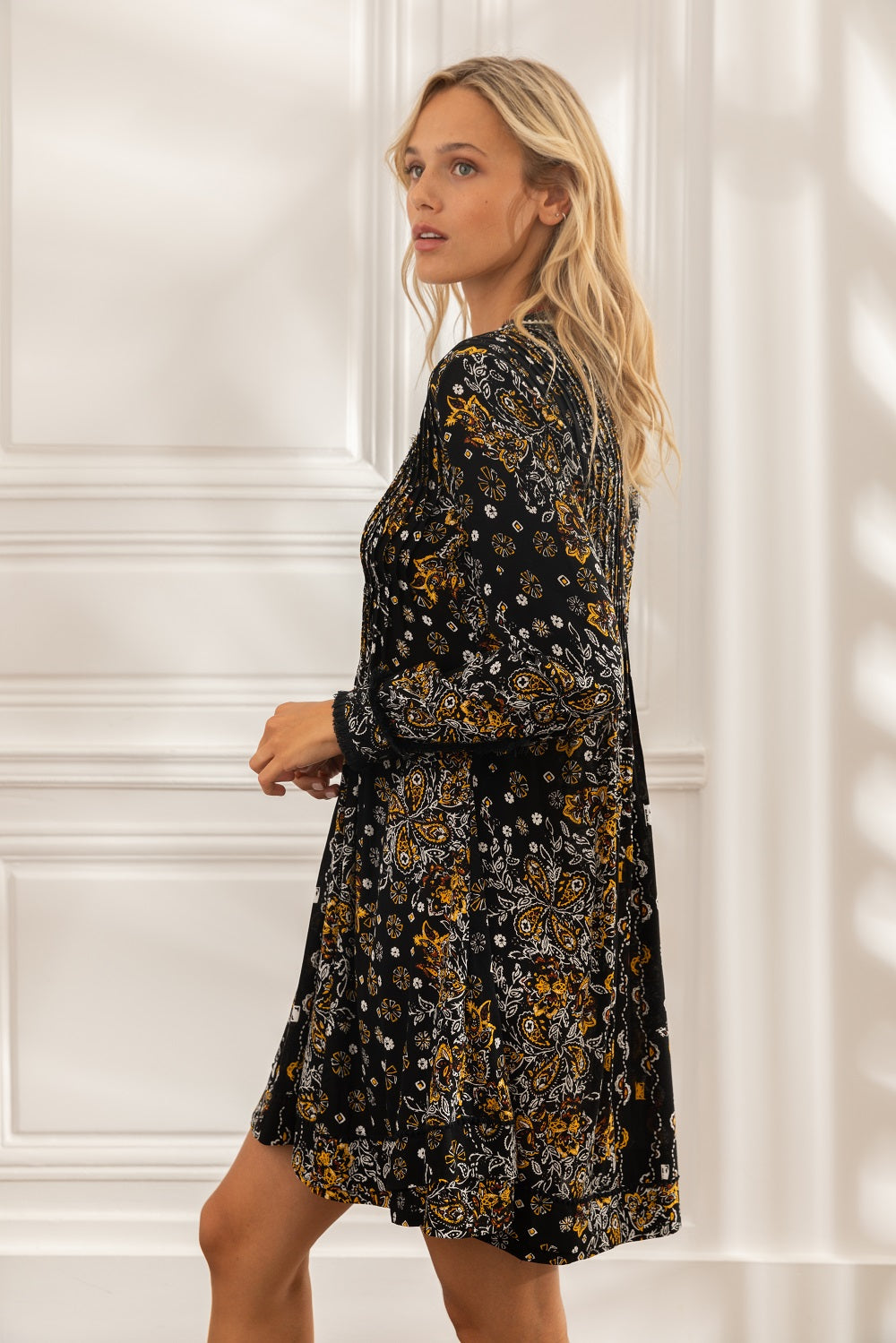 Mini Dress Ola Long Sleeve - Black Ruellia Batik Vertical