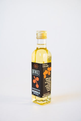 UKWAZI Macadamia Nut Oil bottle (250 ml)