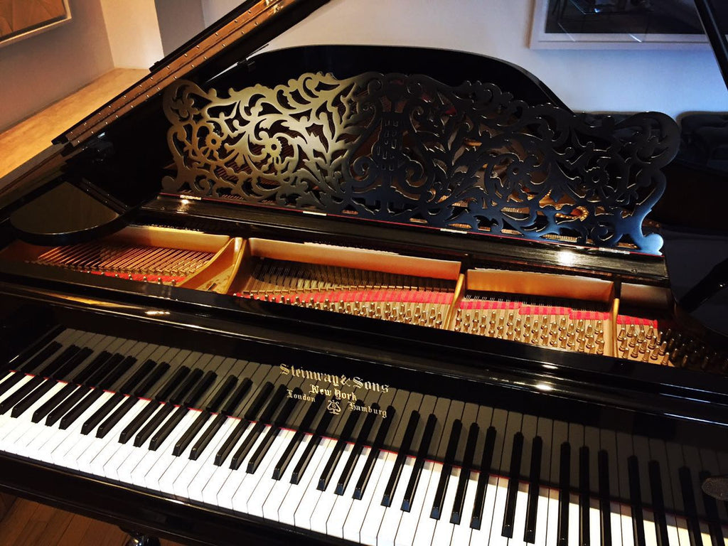 Steinway Model L Limited Collector`s Edition