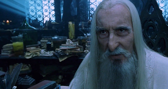 close cristopher lee saruman o senhor dos aneis hobbit
