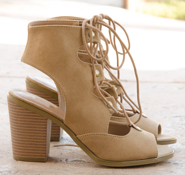 Open Toe Cutout Lace Up Chunky Heels in Natural