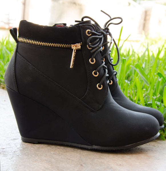 Lace Up Padded Ankle Wedge Boots