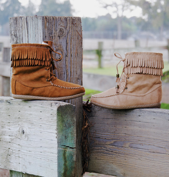 Fringe Round Toe Lace Up Moccasin Boots