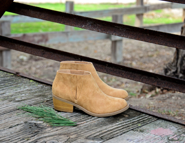 Chunky Heel Round Toe Western Inspired Booties