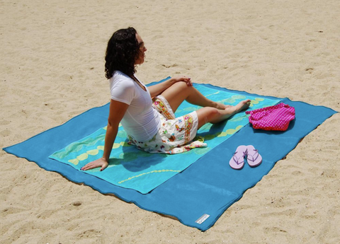 Sandless beach blanket