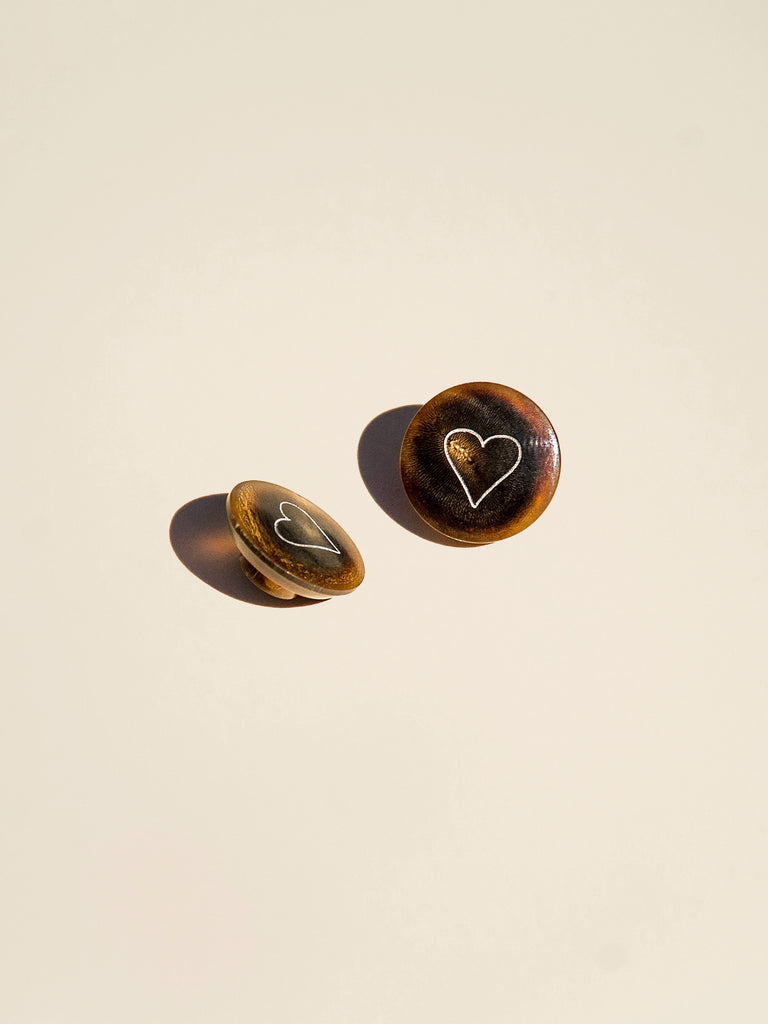 Etched Heart on Shank - Button Avenue