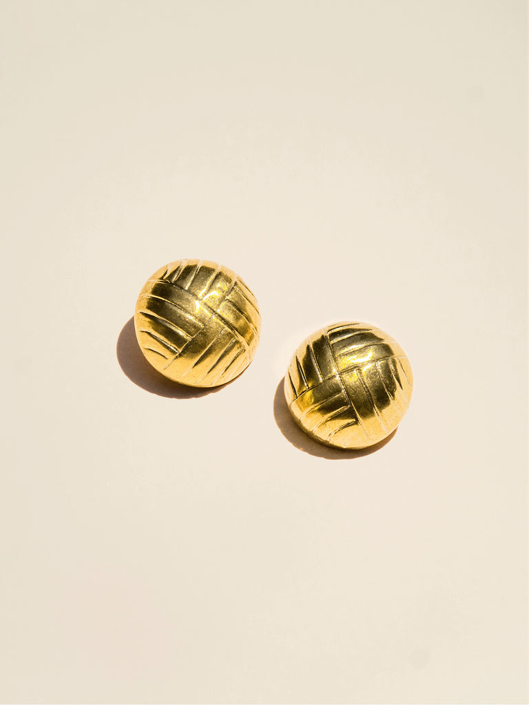 Dome-Shaped Shank Button with Etched Lines - Button Avenue