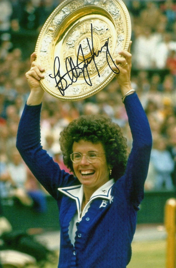 Billie Jean King Signed Autograph IN Person 12X8 Photo WIMBLEDON TROPHY (A)