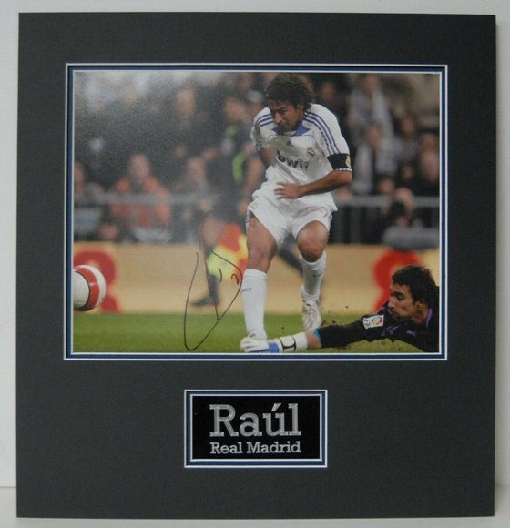 Raul Signed 14X11 Photo Real Madrid Mounted Photo Display AFTAL COA (B)
