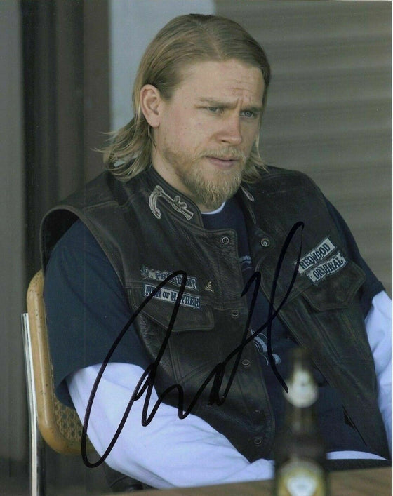 Charlie Hunnam Signed 10X8 Photo GENUINE Sons of Anarchy AFTAL COA (7303)