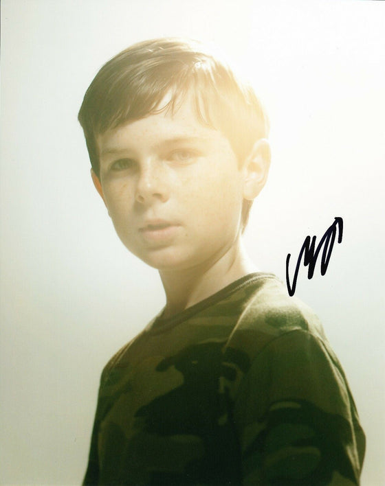 Chandler Riggs Signed 10X8 Photo Walking Dead AFTAL COA (7489)