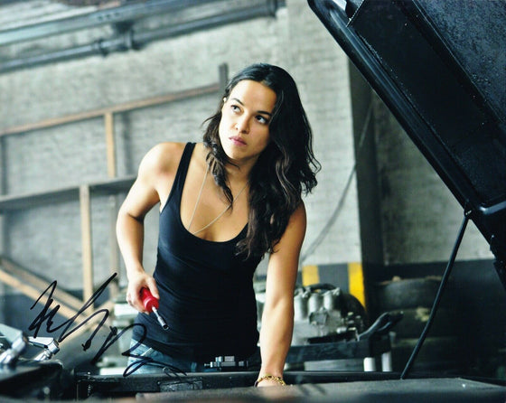 Michelle Rodriguez Signed 10X8 Photo FAST & FURIOUS AFTAL COA (A)