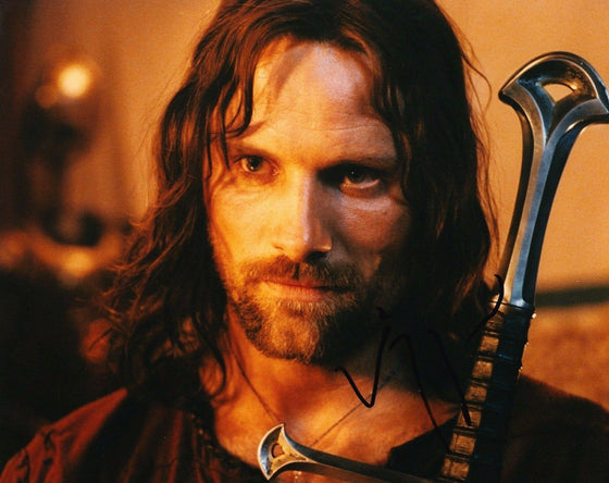 Viggo Mortensen Signed 10X8 Photo The Lord of the Rings Aragorn AFTAL COA (B)