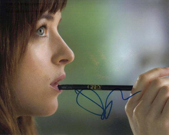 Dakota Johnson SIGNED 10X8 Photo FIFTY SHADES OF GREY AFTAL COA (5556)