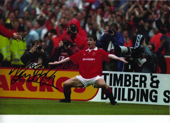 Mark Hughes Original Hand Signed Autograph 12X8 Photo Manchester United (1814)
