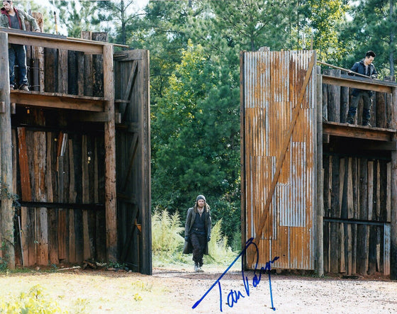Tom Payne Signed 10X8 Photo Walking Dead AFTAL COA (7492)
