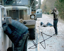 Andrew Lincoln Signed 10X8 Photo Walking Dead GENUINE SIGNATURE AFTAL COA (5545)