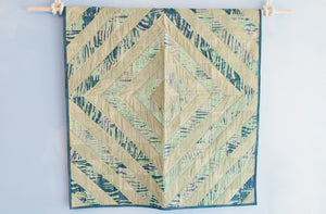 MARICOLOUS Diamond Beach Grass Crib Quilt - Keep Company  - 1